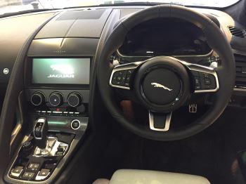 Jaguar F-TYPE 2.0 P300 R-Dynamic image 3 thumbnail